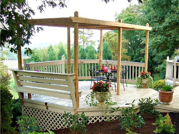 DIY Wooden Backyard Pergola