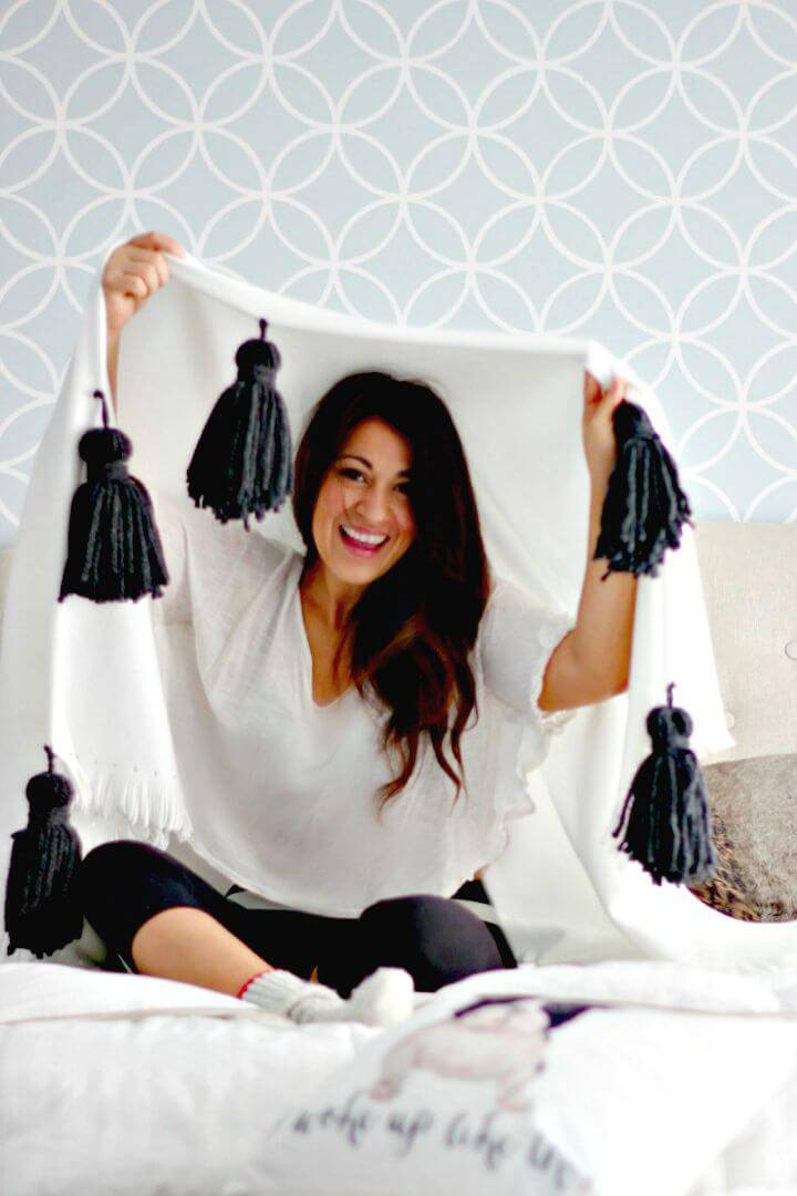 Make Your Own Chunky Tassel Throw
