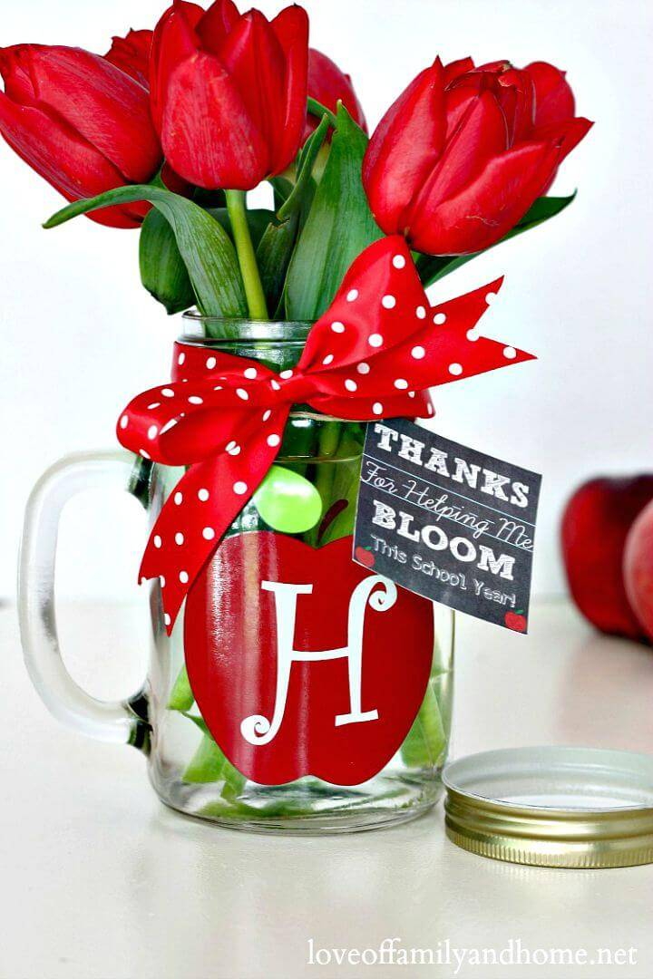 DIY Monogram Mason Jar Vase - Teacher Gift Idea - Mason Jar Crafts
