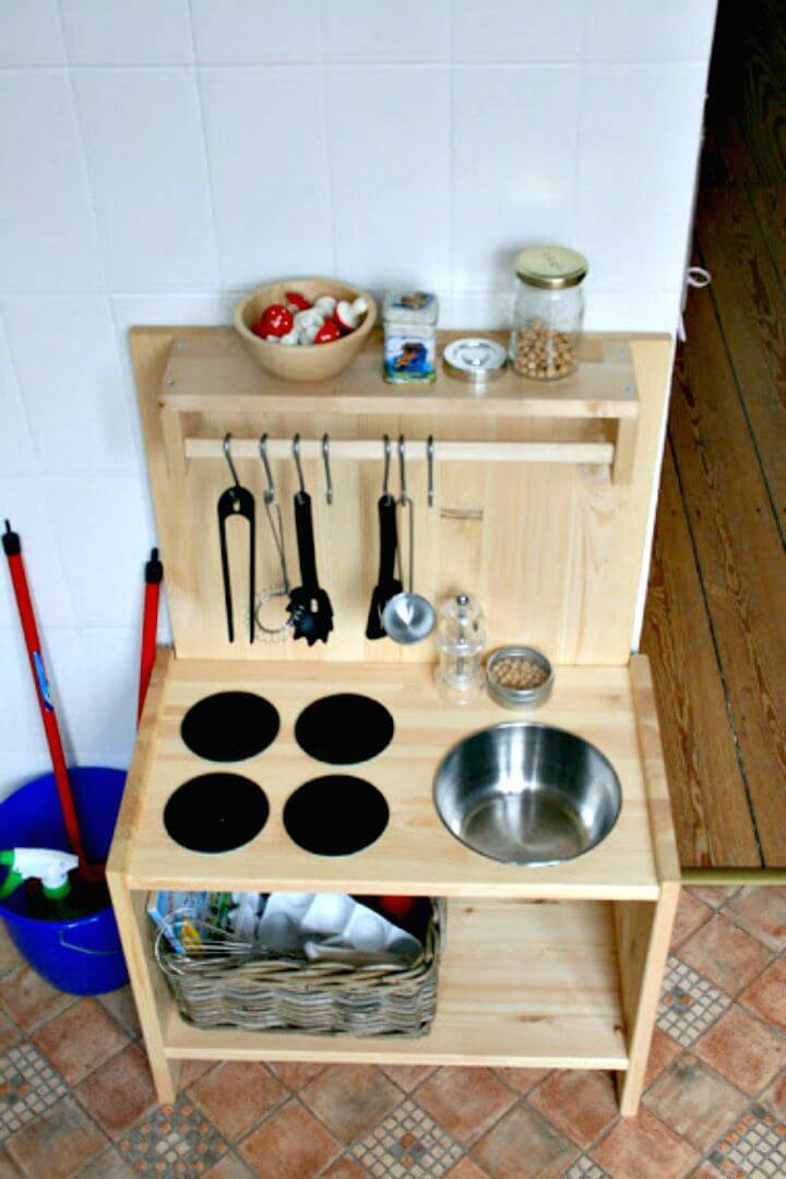 Simple DIY Wooden Play Kitchen
