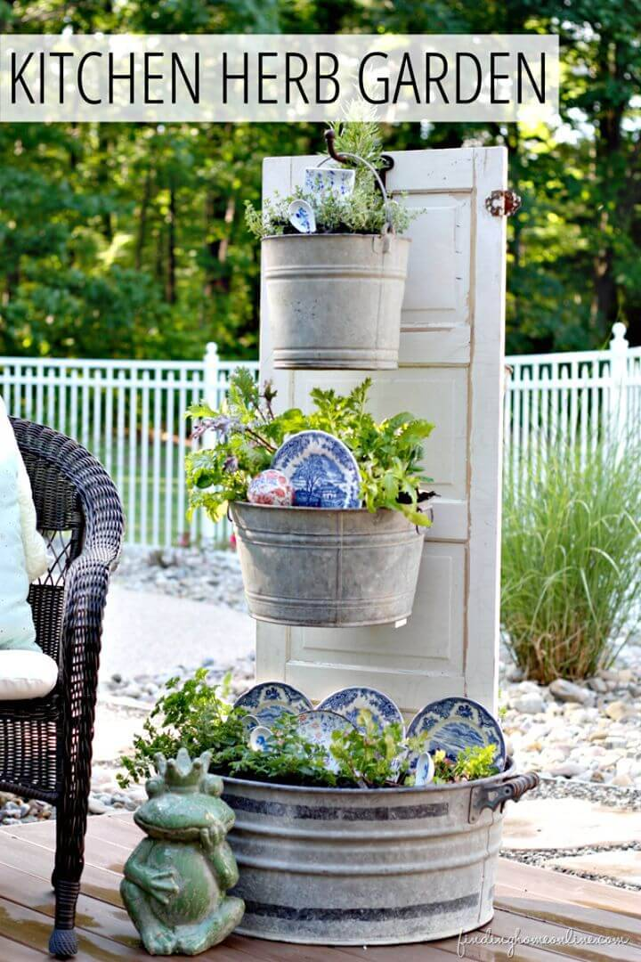 DIY Backyard Kitchen Herb Garden