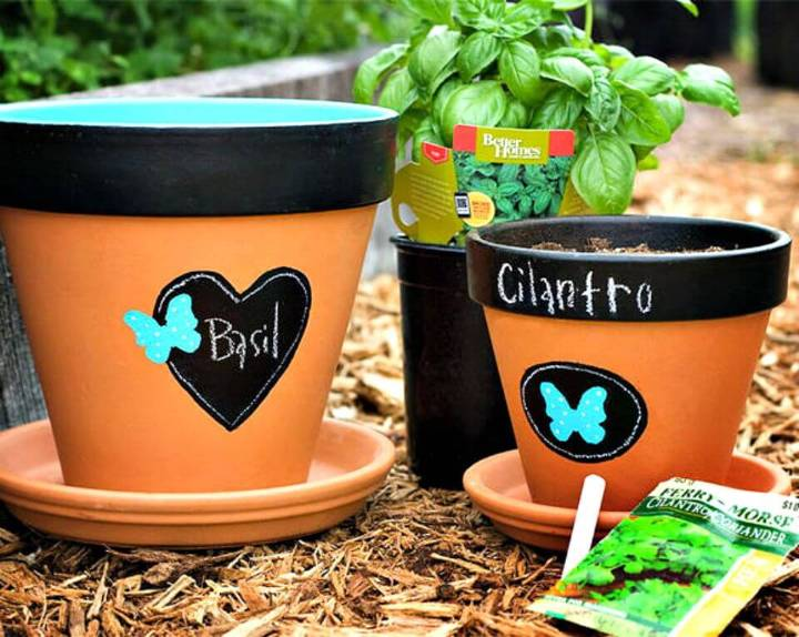 Awesome DIY Chalkboard Flowerpots