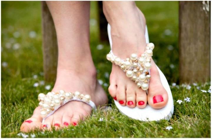 Beautiful DIY Beaded Flip Flops