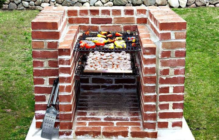 Easy DIY Built-in Barbecue Pits Using Bricks