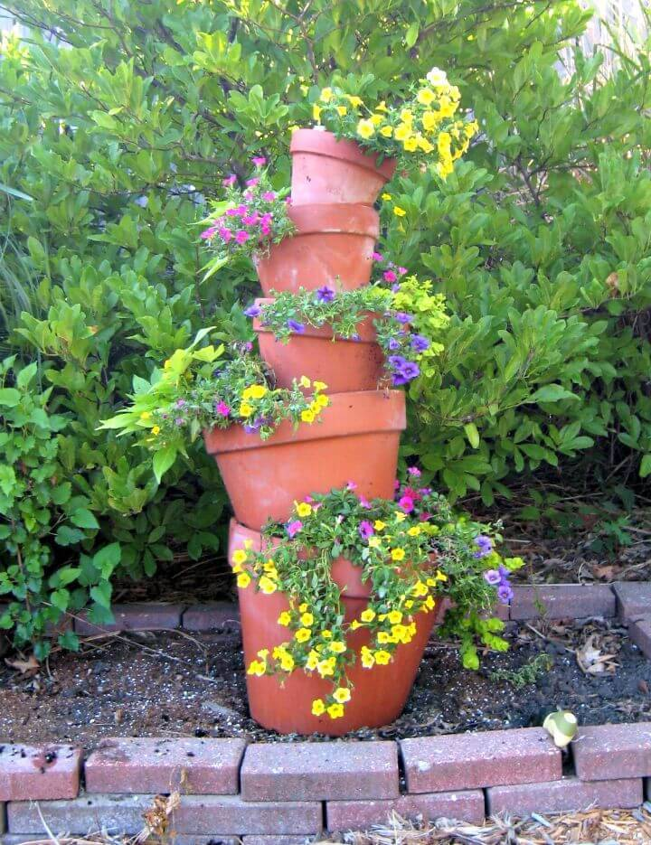 DIY Crooked Terra Cotta Pot Flower Tower With Annuals