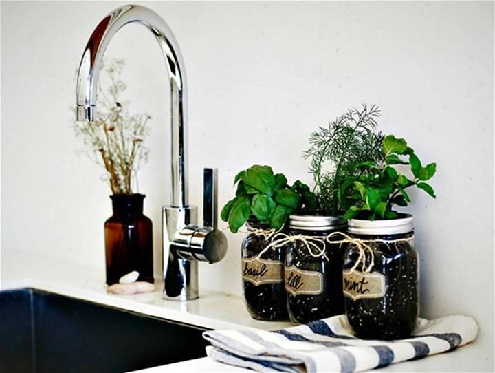 DIY Mason Jar Fresh Herb Garden