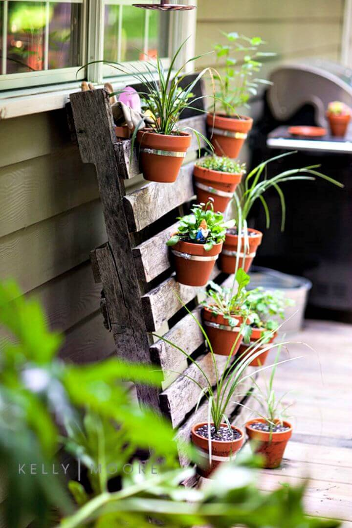 DIY Pallet Herb Planter