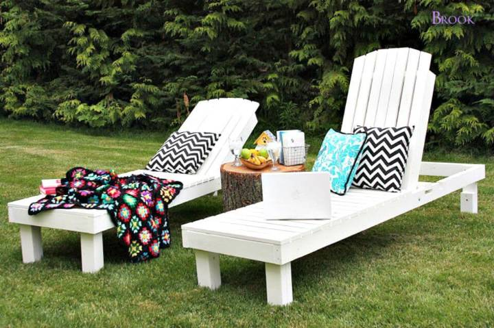 DIY Wood Chaise Lounges For $35 for Relaxing Hours in Summer