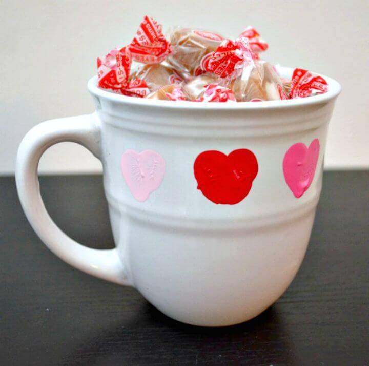 Easy DIY Thumbprint Valentine Mug