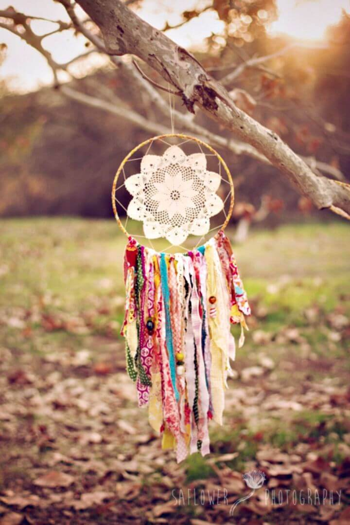 How To Make Fabric Scraps Dream-catcher - DIY