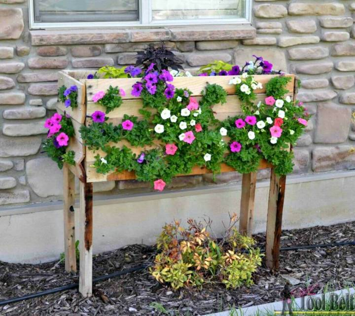 How To Make Pallet Herb Planter Box - DIY