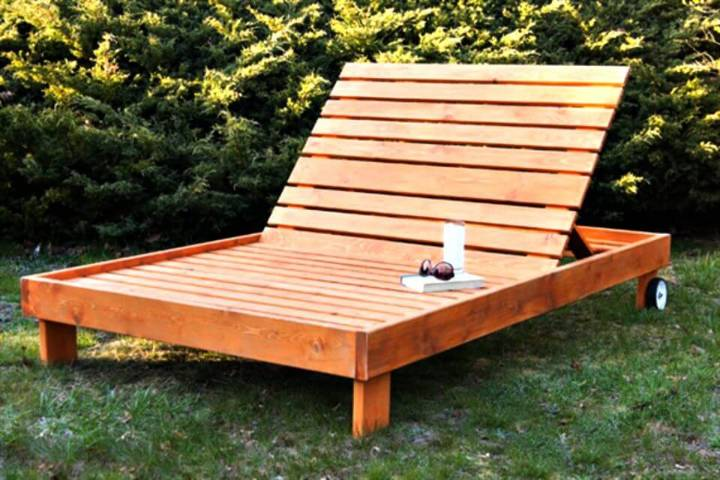 How to Build Outdoor Chaise Lounge - DIY