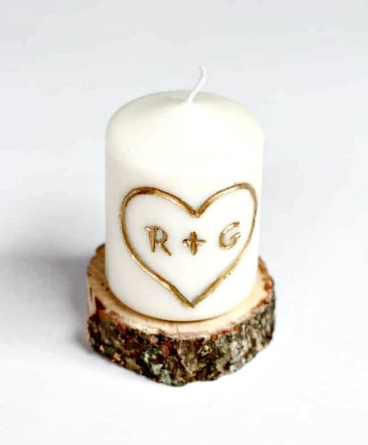 Make a Candle Carved With Initials - DIY
