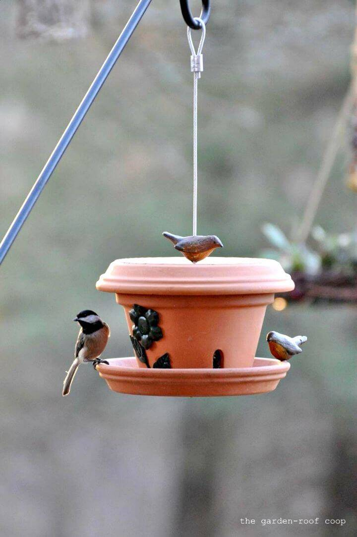 Easy DIY Flowerpot Bird-Feeder