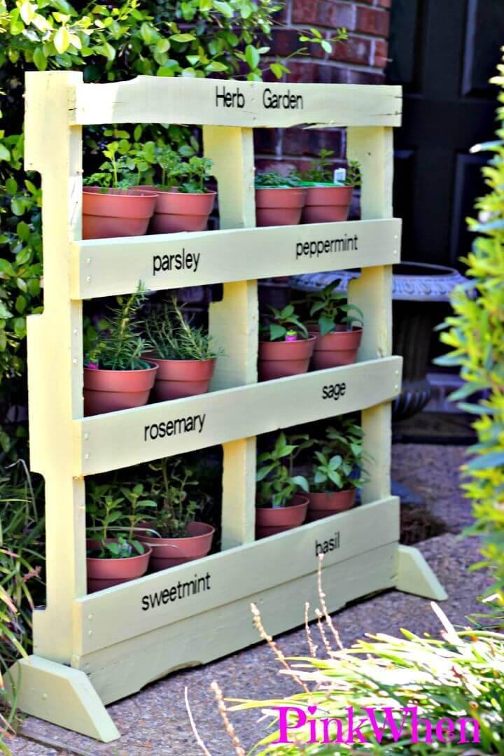 Make an Herb Garden from a Pallet - DIY Pallet Projects