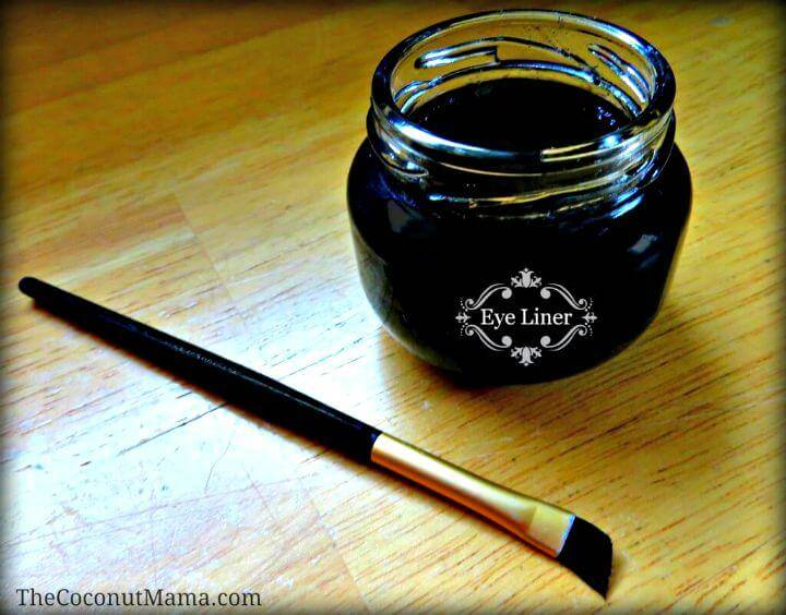 3 Non-toxic Ingredients Eye Liner Recipe - DIY