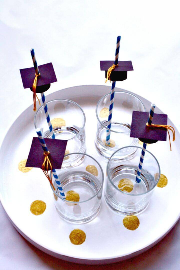 Beautiful DIY Graduation Cap Straw Toppers