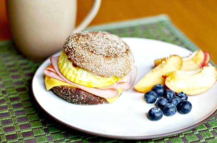DIY Fake-out Starbucks Breakfast Sandwiches