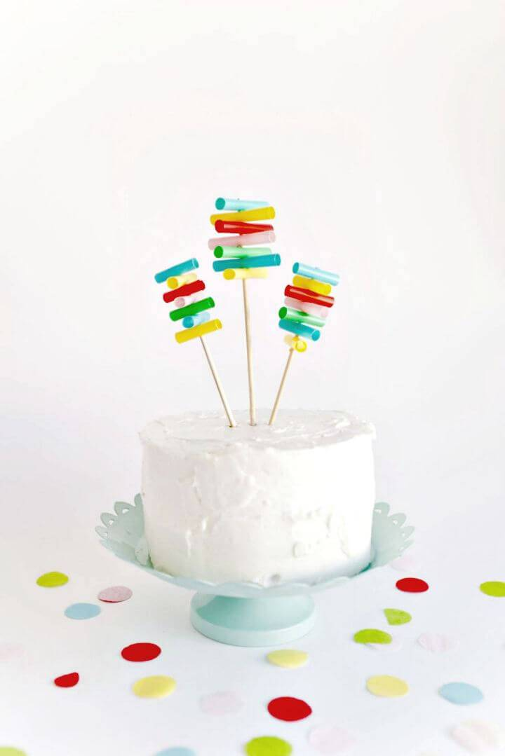 Inexpensive DIY Straw Cake Topper