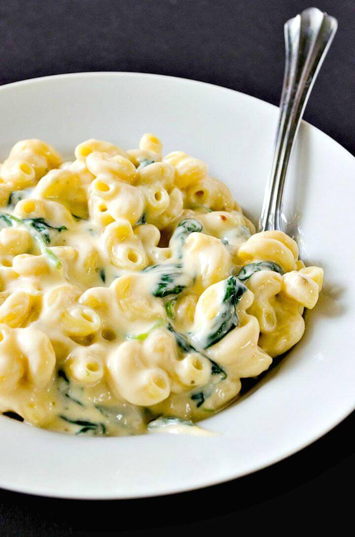 Make Creamy Greek Yogurt Mac & Cheese Recipe