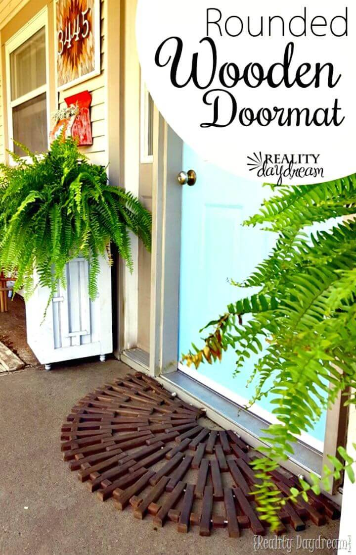 Easy DIY Rounded Wooden Doormat