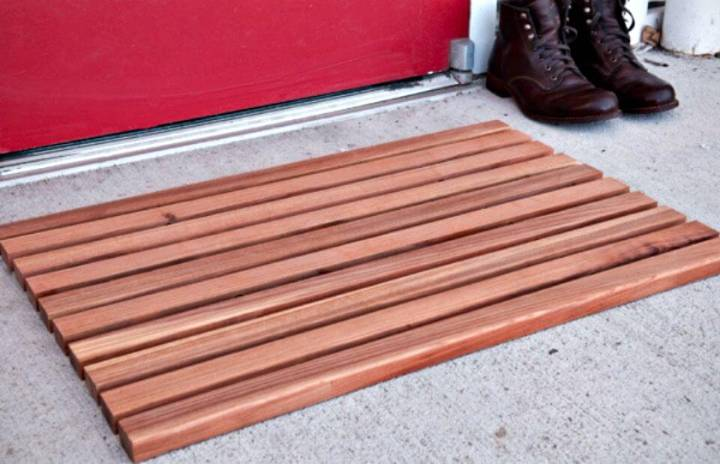 Easy DIY Wooden Welcome Mat