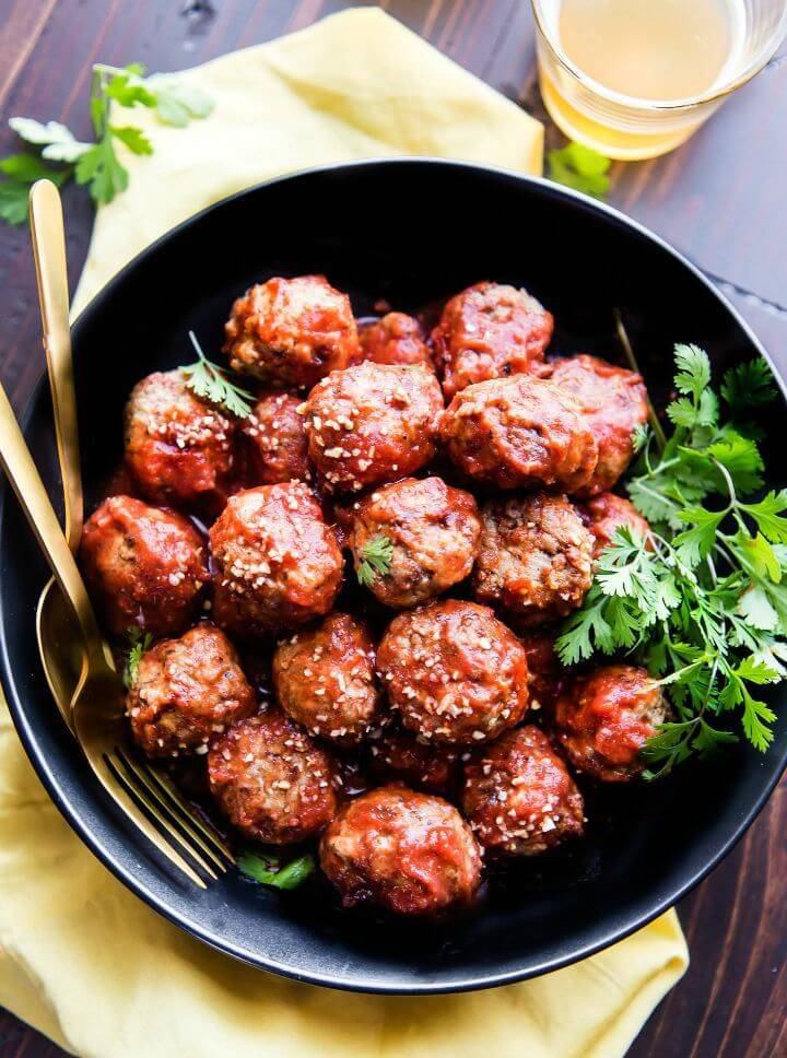 Sweet snd Spicy Sriracha Paleo Meatballs Recipe