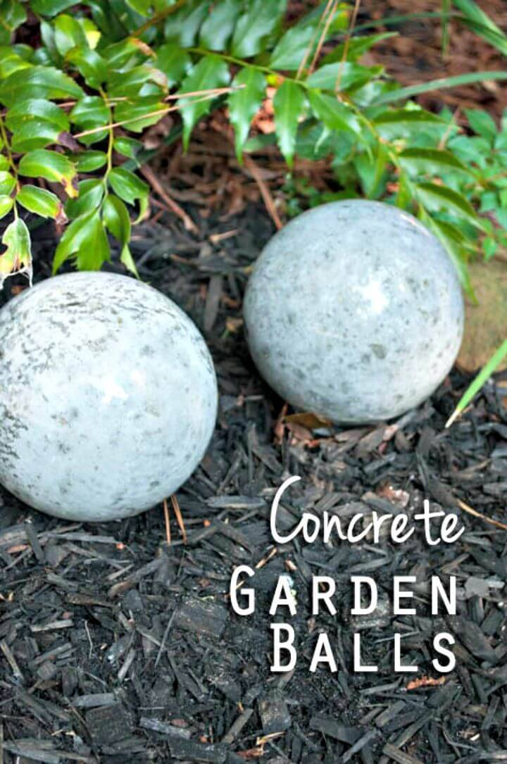 Easy to Make Concrete Garden Balls - DIY