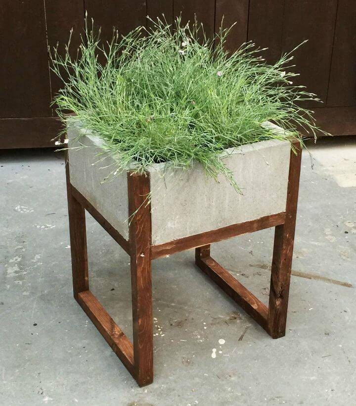 DIY Paver Planter Out Of Concrete Blocks