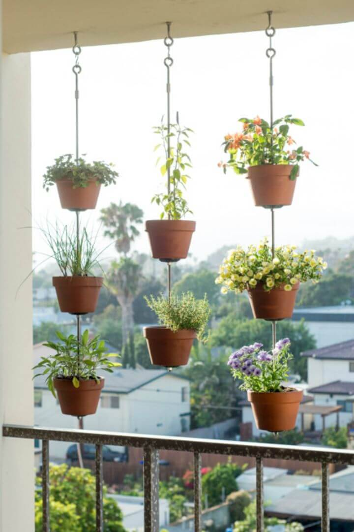 DIY Vertical Clay Pots Hanging Plants - Indoor Garden Ideas