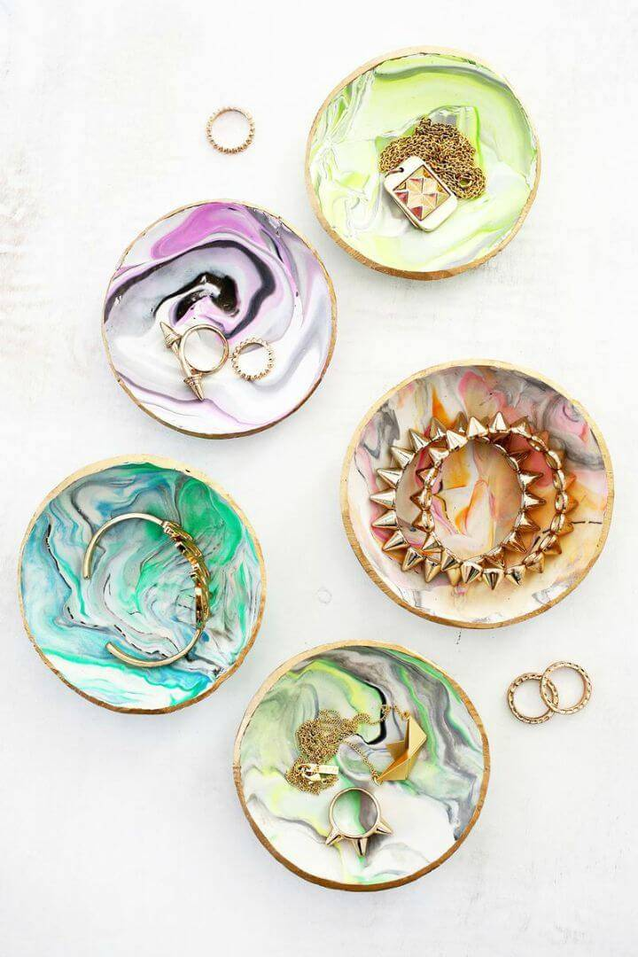 Beautiful DIY Marbled Clay Ring Dish
