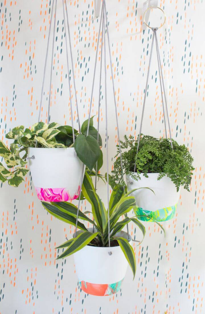 Adorable DIY Marbled Hanging Planter