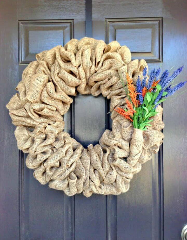 Awesome DIY Burlap Wreath