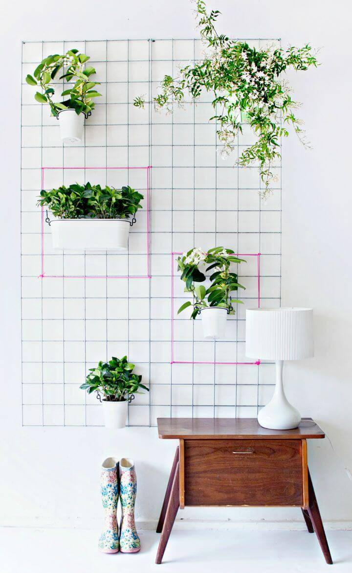 Adorable DIY Wall Hanging Planter