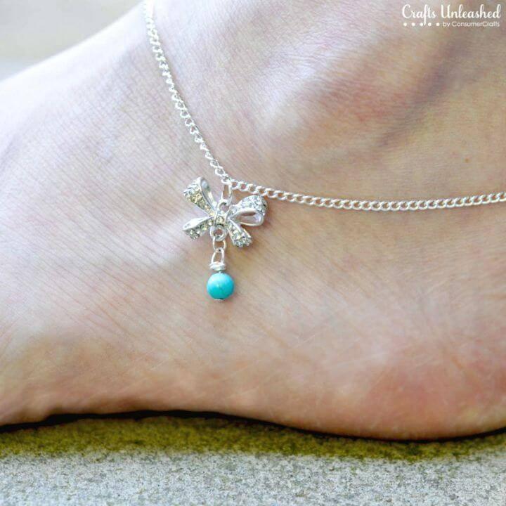 Pretty DIY Bow Anklet to Walk on Beach