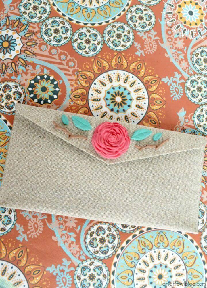 DIY Floral Burlap Clutch