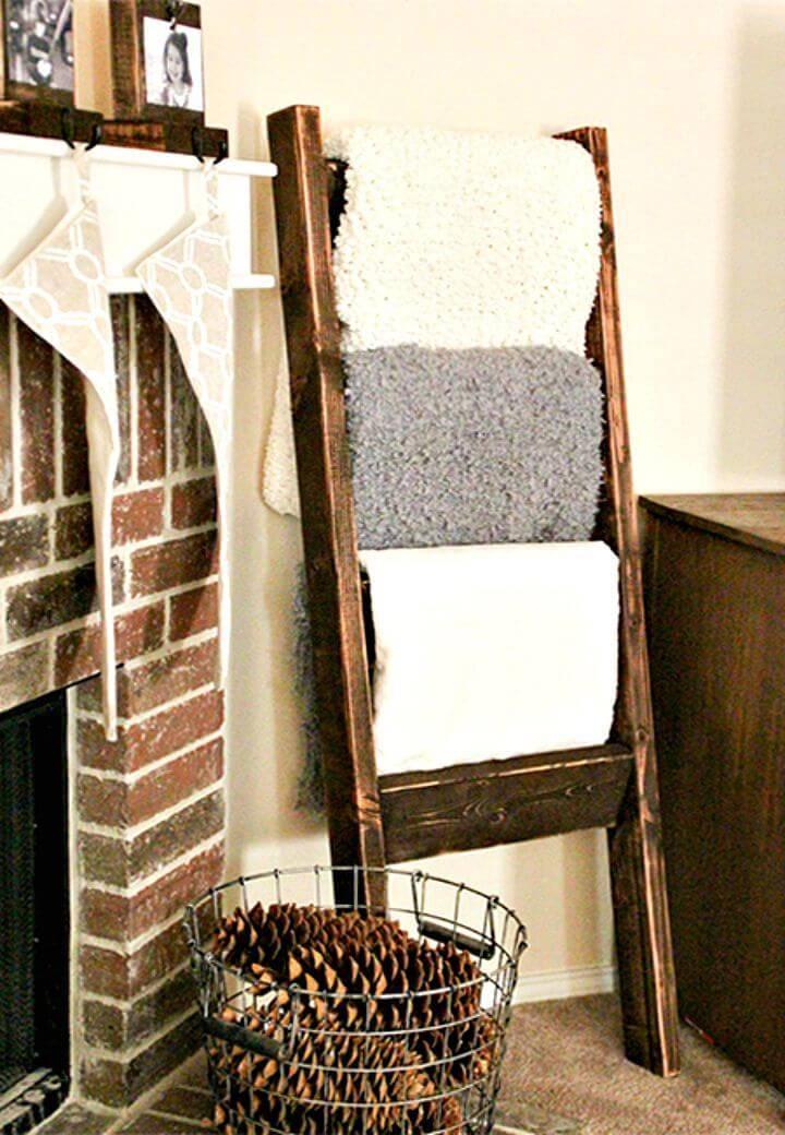 DIY Reclaimed Wood Or Pallet Ladder Towel Rack for A Bathroom