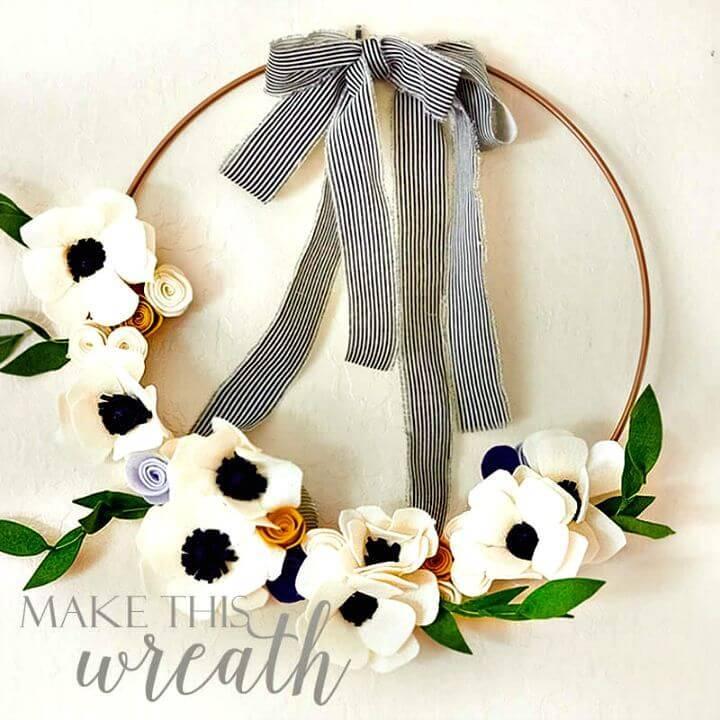 DIY 3 Felt Flowers and Leaves Wreath
