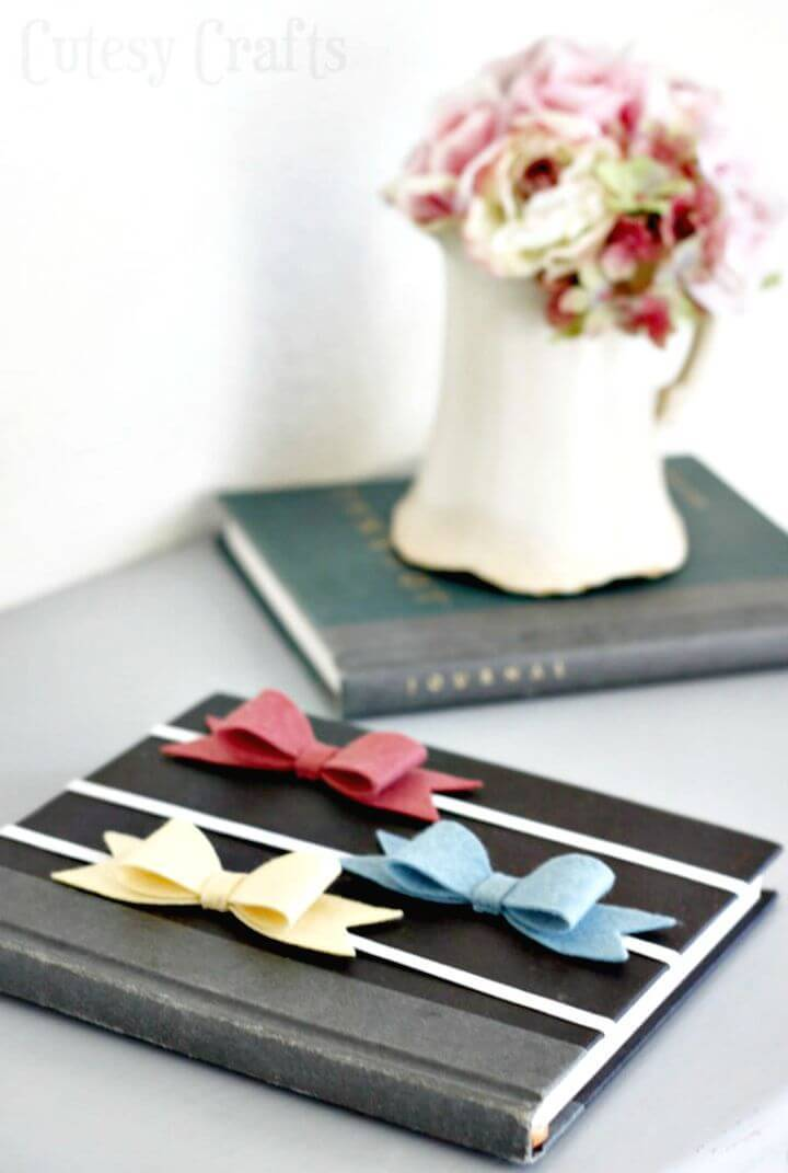 How To Make Felt Bow Bookmarks