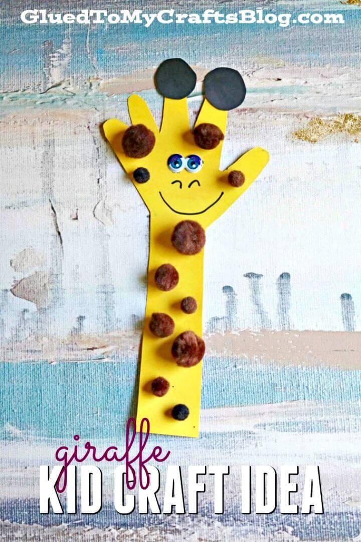 DIY Paper Handprint Giraffe