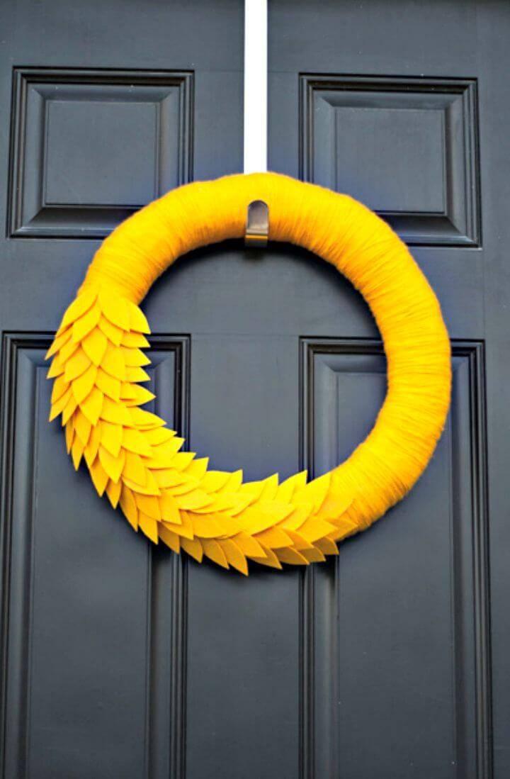 Pretty DIY Autumn Wreath