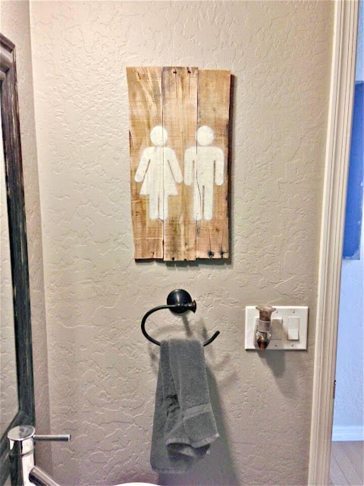 Build a Bathroom Pallet Art - DIY Pallet Projects