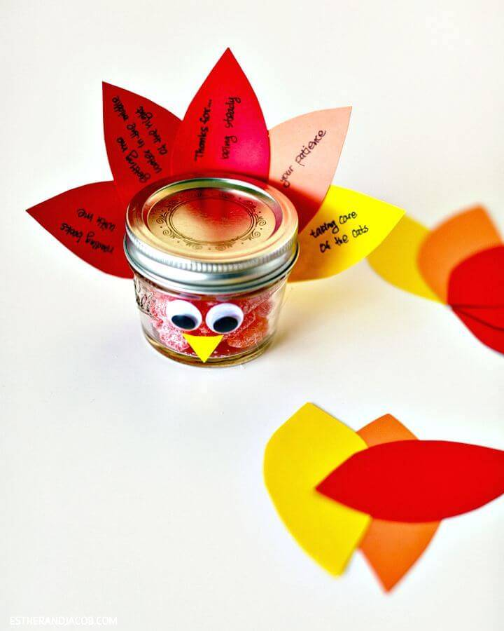 Cute DIY Mason Jar Turkey