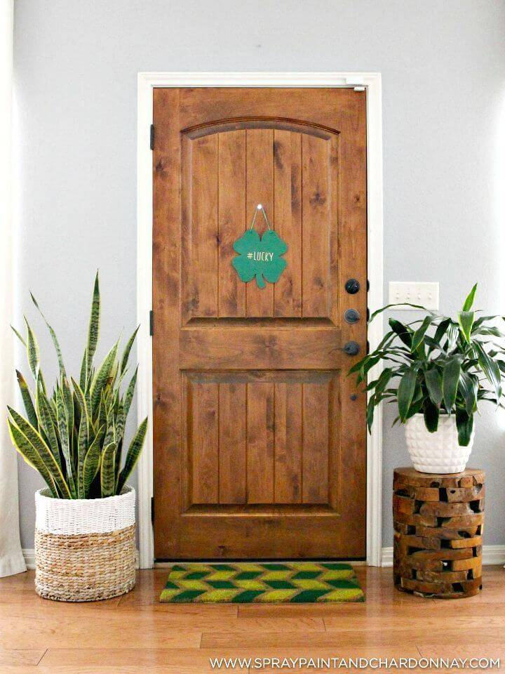 How to Make Geometric Painted Door Mat