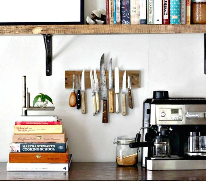 DIY Rustic Wall Rack To Display Knives