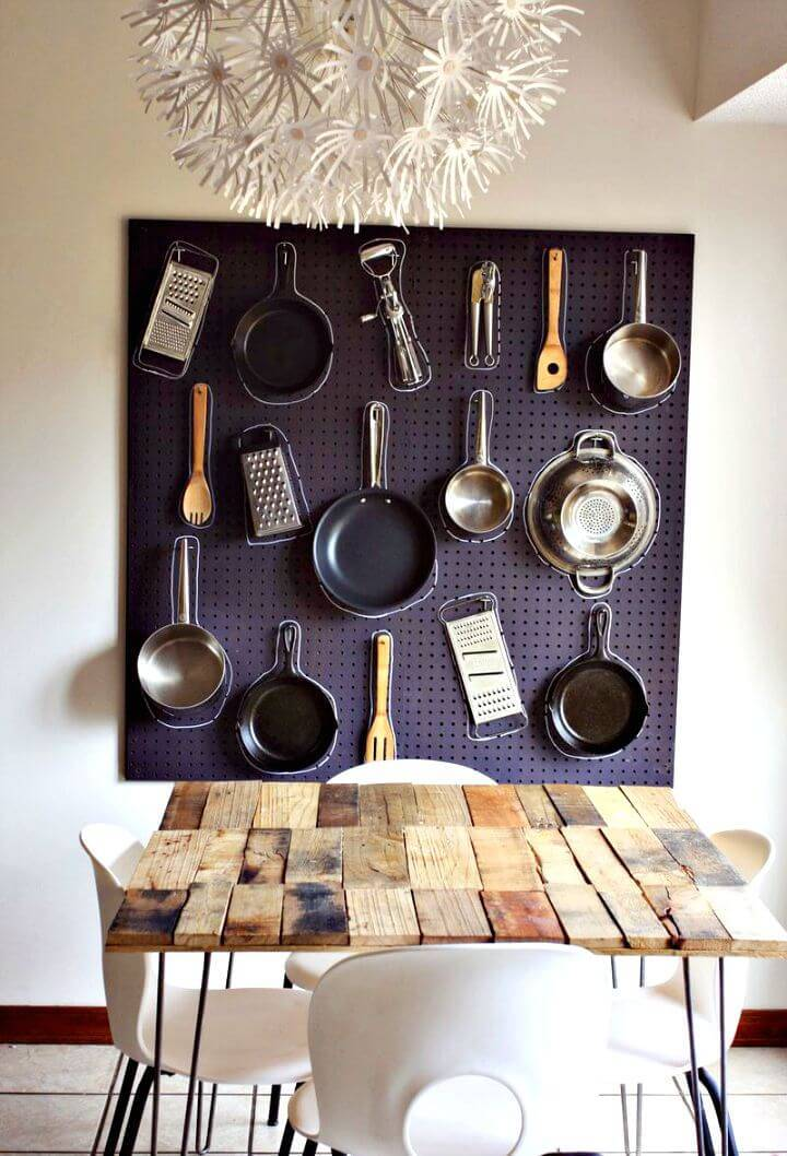 Adorable DIY Kitchen Pegboard