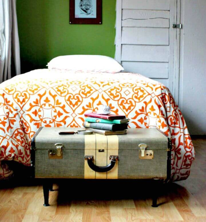 DIY Ashley's Vintage-suitcase Coffee Table