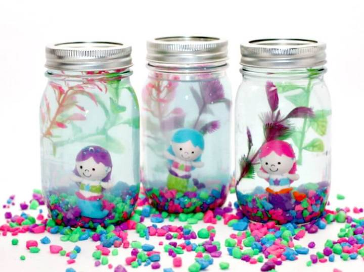 Pretty DIY Mason Jar Aquarium for Kids