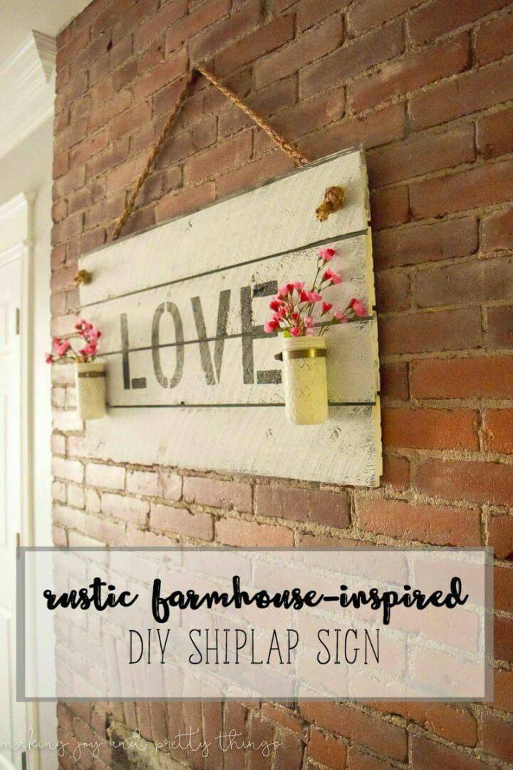 DIY Rustic Farmhouse-inspired Shiplap Sign, bring also the farmhouse decor touch to any space with this handmade love quoted shiplap sign!