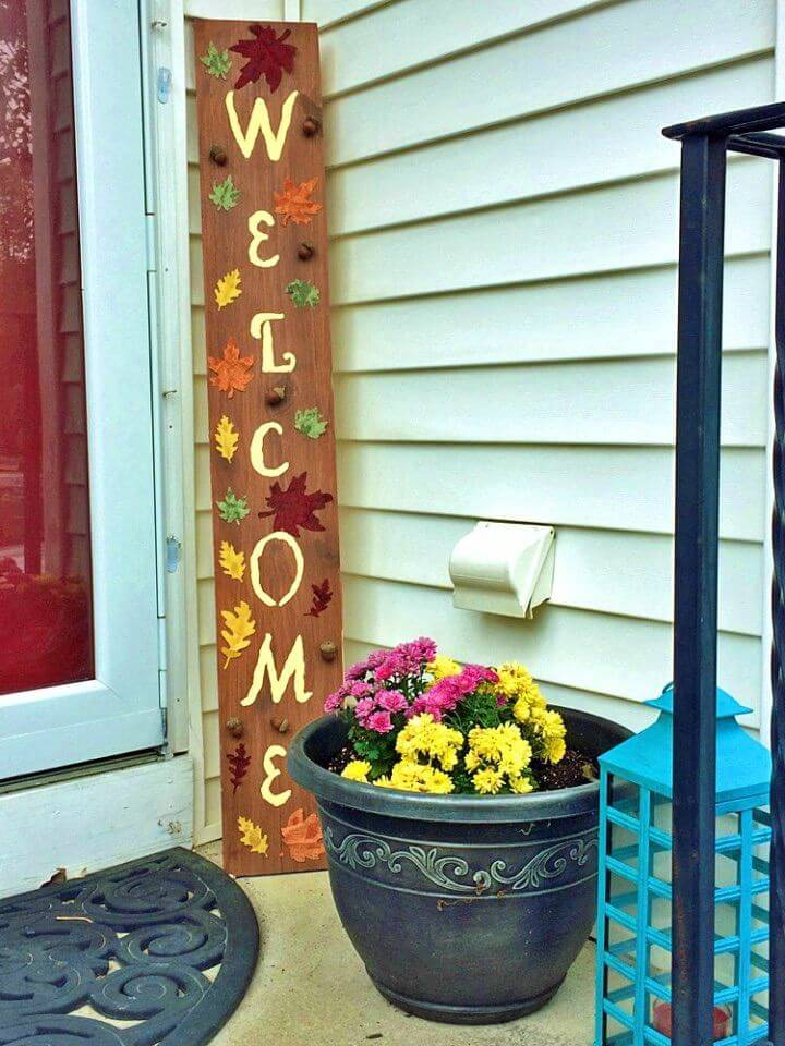 Make Fall and Thanksgiving Welcome Sign, celebrate the fall decors by making this thanksgiving welcome sign for the porch!